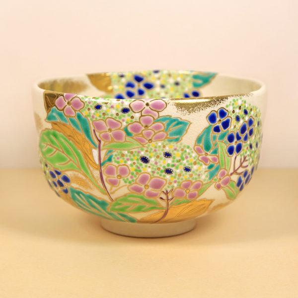Vintage Matcha Bowl with Hydrangeas