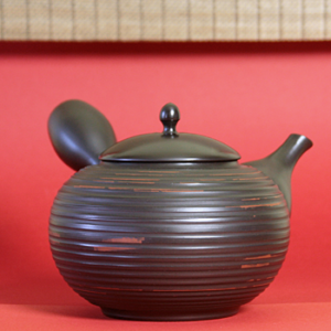 Tokoname Large Teapot with Circular Lines